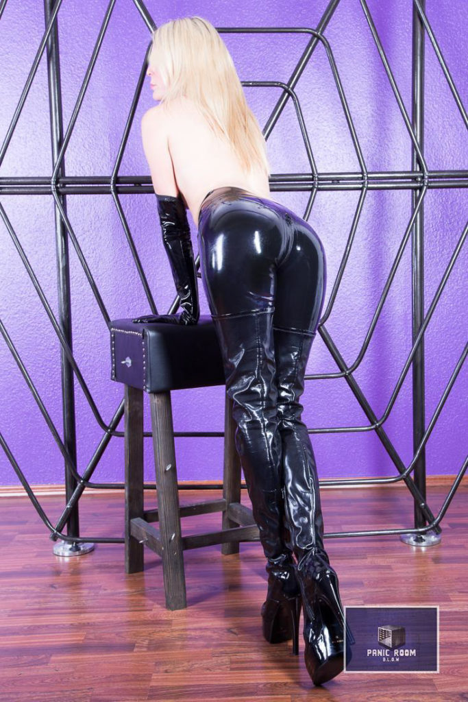 bizarrlady-denise-hamburg-dominastudio-13