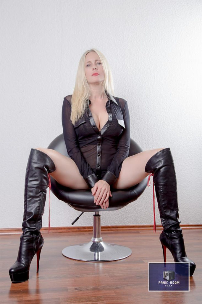 bizarrlady-denise-hamburg-dominastudio-15