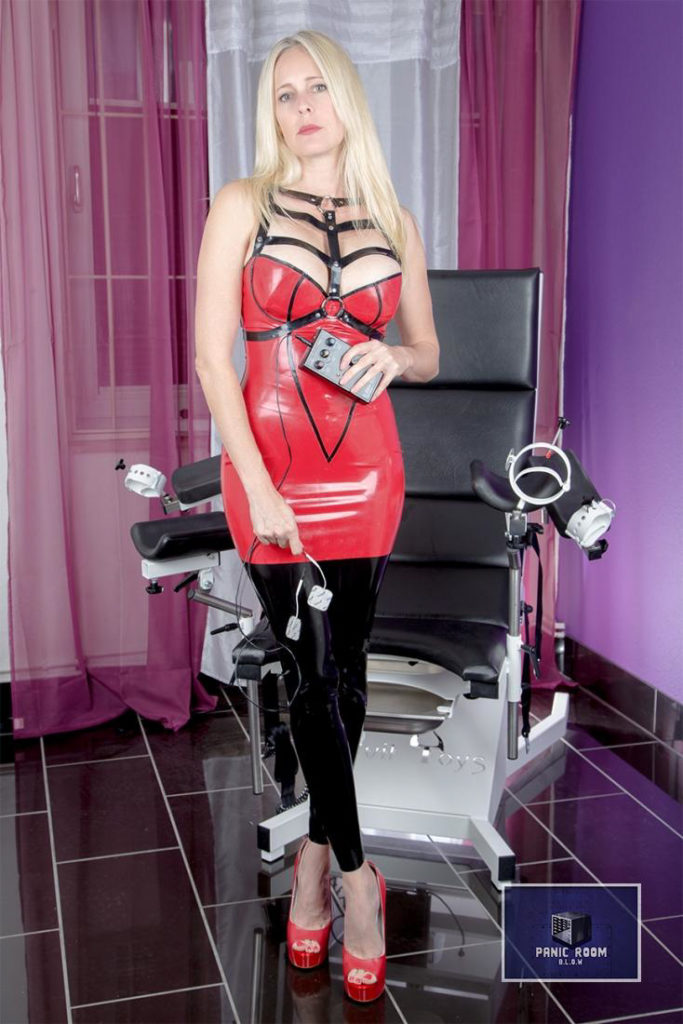 bizarrlady-denise-hamburg-dominastudio-17