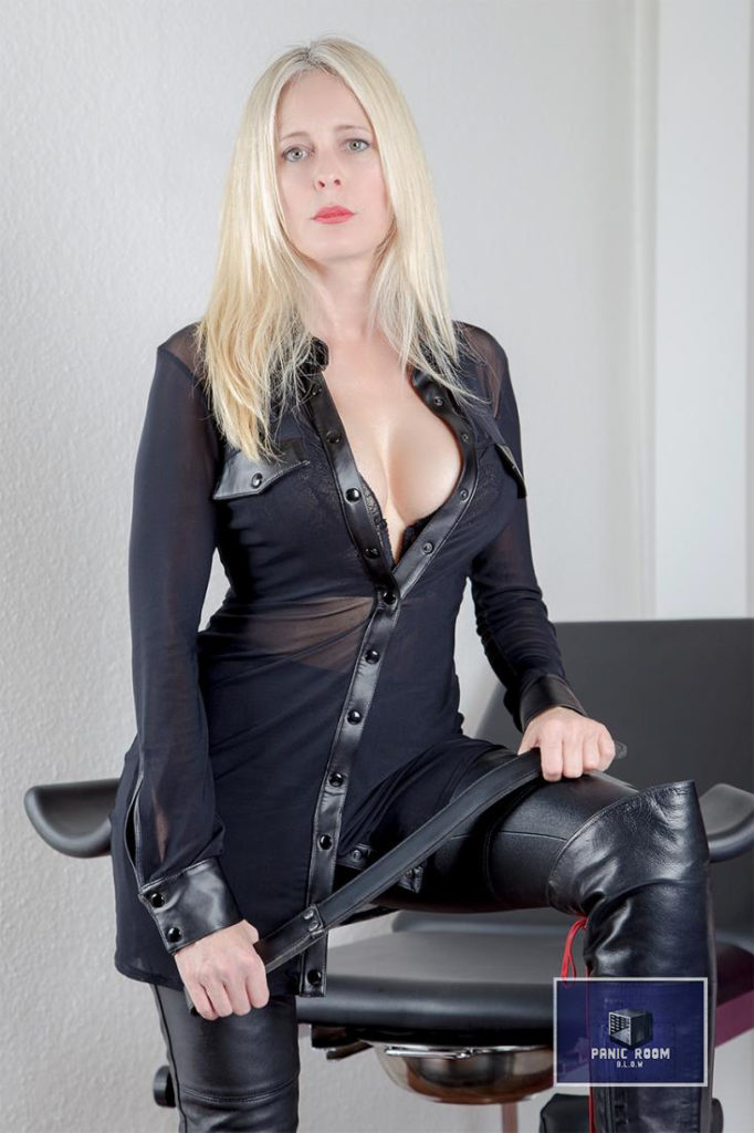 bizarrlady-denise-hamburg-dominastudio-20