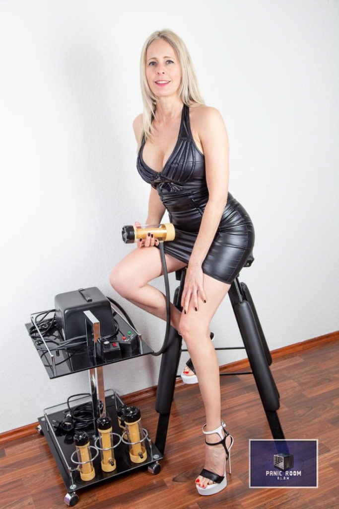 bizarrlady-denise-hamburg-dominastudio-22