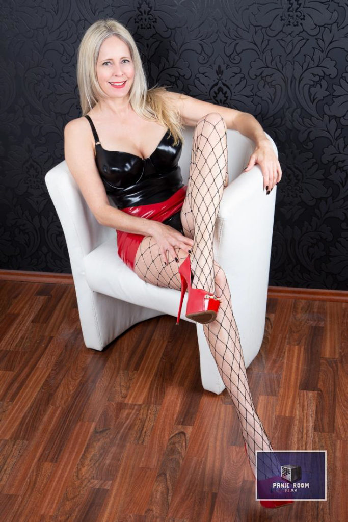 bizarrlady-denise-hamburg-dominastudio-24