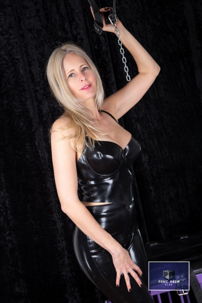 bizarrlady-denise-hamburg-dominastudio-25