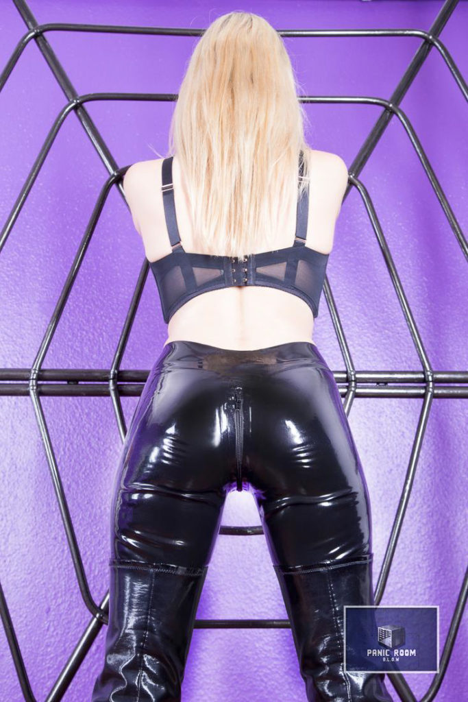 bizarrlady-denise-hamburg-dominastudio-30