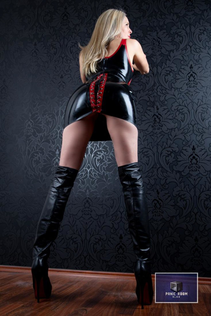 bizarrlady-denise-hamburg-dominastudio-33