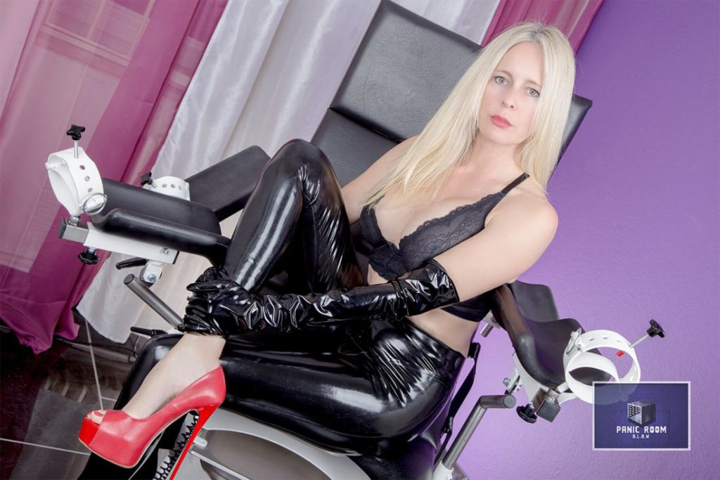 bizarrlady-denise-hamburg-dominastudio-9