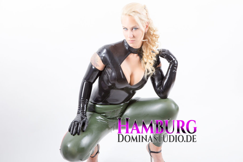 domina-djinny-intro-hamburg-dominastudio